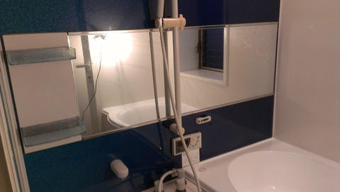 江南浴槽パネル鏡磨き後