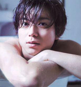入浴中の加藤シゲアキ