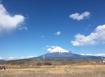 富士川エリアから富士山を臨む