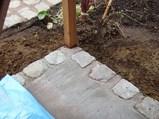 石畳アプローチをつくる時に、アンティークの天然石が、少しだけ余りました。コンクリートだけだと寂しいので、縁取りに使いました。(ナチュラル&オーダーメイドの庭・外構ガーデンハーモニー)