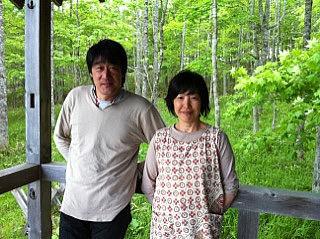 阿寒の森で、開拓生活のインタビューを生中継