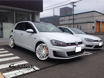 GOLF7_GTI_TSW_ROUEN_(Silver with Brushed Face)_(斜め前)