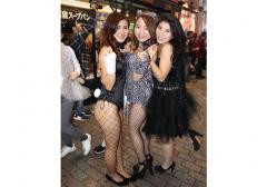 渋谷ハロウィンに異変 女性露出高い「セクシーコスプレ」増加