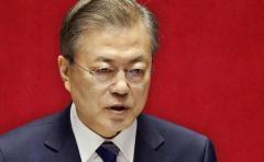 韓国の文在寅大統領 外信記者から名指しで批判される