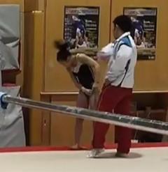 速見コーチ 衝撃的な暴力の瞬間 宮川選手を全力ビンタ