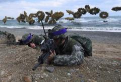 米韓合同軍事演習を廃止 トランプ大統領「節約のため」