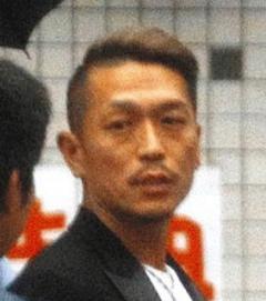 """""""歌手兼神主""""の会長自ら「キング」と称し460億円集金 逮捕"""