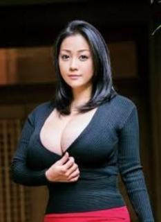 小向美奈子 現役AV女優続行も体型が膨らみすぎて別人化