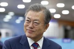 トランプ氏に来韓おねだり、韓米首脳電話会談の内容公開