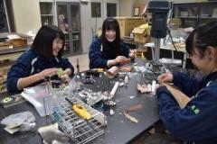 岩瀬日大高の女子3人 ロケット制作に情熱