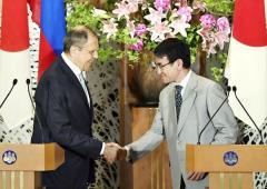 遠のく北方領土…平和条約交渉「打ち切り合意」の衝撃情報