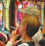 受動喫煙被害 パチンコ店「禁煙なら行かない」の声も