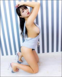 森咲智美 ノーブラ状態でGカップ美巨乳を大胆露出
