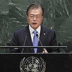 文大統領「過去の省察・自由貿易」重要=国連で日本に警告