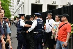 安倍批判勢力を警察が予防拘禁 トランプ相撲観戦の裏で