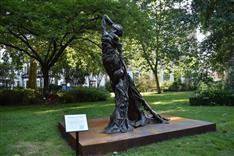 「ライダイハン像」ロンドン中心部の公園で一般公開