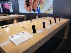 「iPhone売らないとヤバイ」 元店員が振り返る、重い販売ノルマ