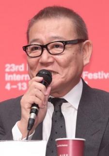 國村隼さん、旭日旗の質問に困惑 BIFF側「申し訳ない」
