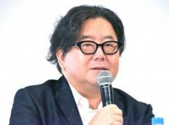 秋元康氏、暴行被害騒動を「憂慮」 NGT48運営が明かす