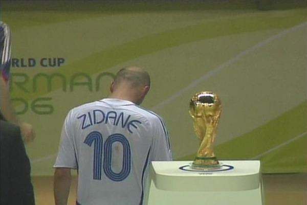 ジダン頭突き、仏で銅像に  2022年ワールドカップ、カタールが冬季開催に応じる用意を表明