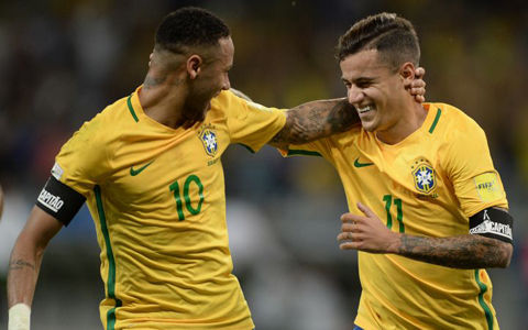 ブラジル、パウリーニョのハットなどで2位ウルグアイを撃破…7連勝で首位快走