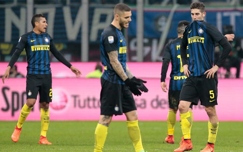 ローマ、3発快勝でインテルとの上位対決制す…長友4戦出番なし