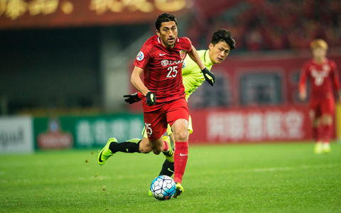 浦和、後半の猛攻で1点差まで迫るも敗戦…全勝対決は上海上港に軍配