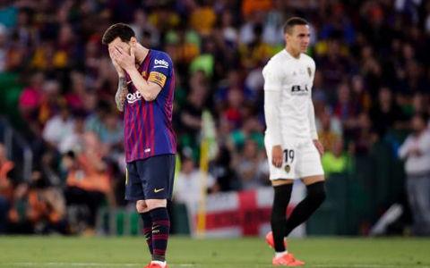 バレンシアが11年振りに国王杯優勝!…バルサは前半2失点で5連覇逃す