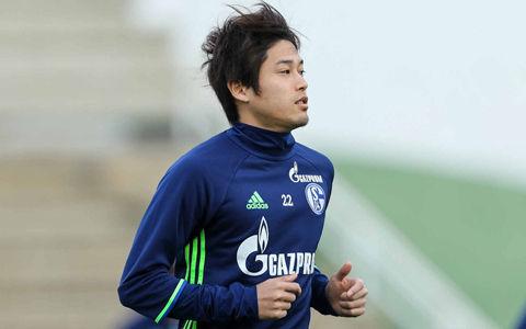 シャルケ内田篤人「まだ100%ではない」…今季初のリーグ戦メンバー入りはまだ先か