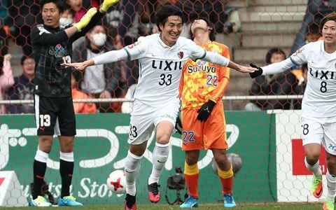 鹿島が怒涛の3得点で鮮やかな逆転勝利…金崎の決勝弾で清水を下す