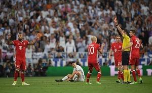 <UEFA-CL>サッカー界はビデオ判定の導入急ぐべき 敗戦後に口を開けば審判への不満ばかり……