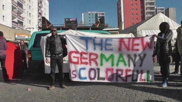難民は、EUを中心に域内の出入国管理を廃止した「シェンゲン協定」の下で... 【 ドイツ 】 今