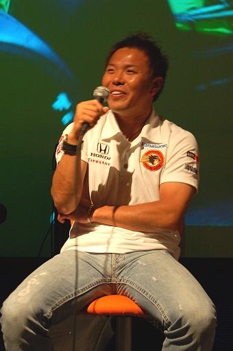 笑顔の松浦孝亮選手