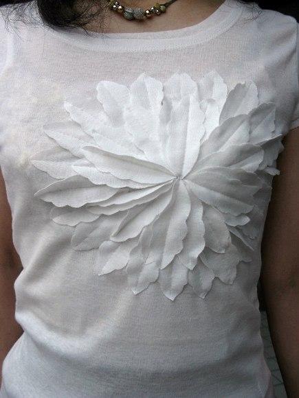 キャサリンハーネルお花Tシャツ