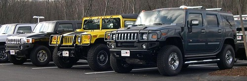 800px-2006_Hummer_H3_H1_and_H2