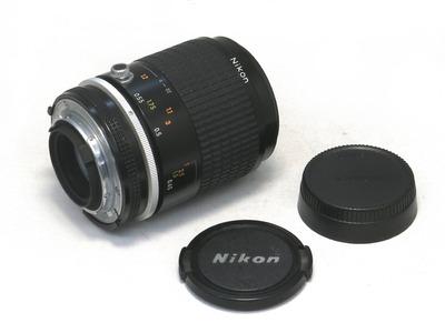 nikon_ai-s_nikkor_105mm_micro_b