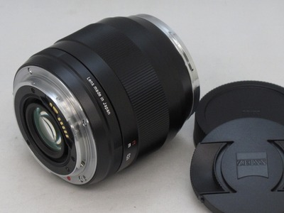 zeiss_ze_28mm_b