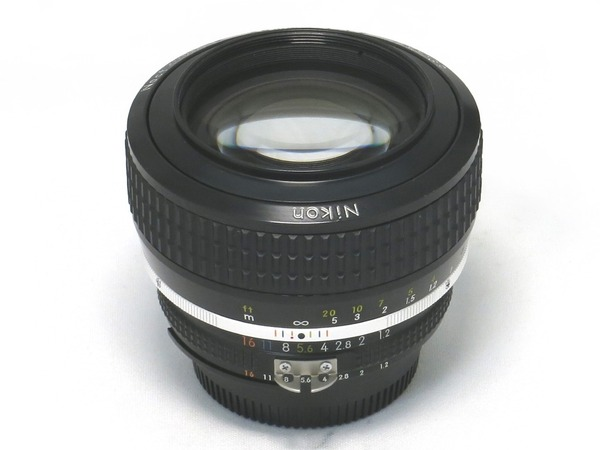 nikon_ai-s_noct-nikkor_58mm_01