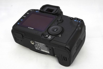 Canon_EOS_5D_MarkII_b