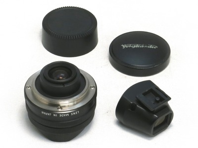 voigtlander_super_wide-heliar_15mm_aspherical_black_b