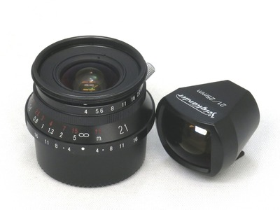 voigtlander_color-skopar_21mm_black_a