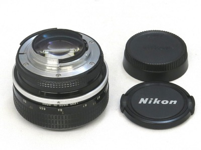 nikon_new_nikkor_55mm_b