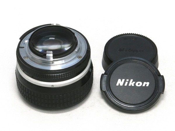 nikon_ai-s_nikkor_50mm_02