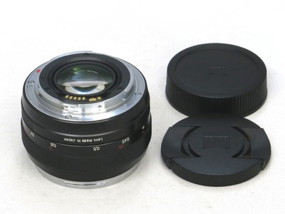 carl_zeiss_planar_50mm_ze_b