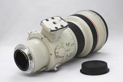 Canon_EF_300mm_L_USM_I_b