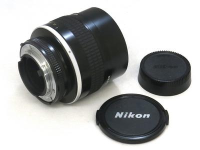 nikon_ai-s_nikkor_105mm_b