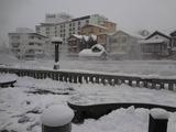 雪の草津湯畑