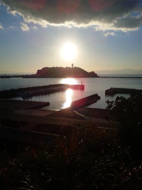 小動神社展望台からの江の島