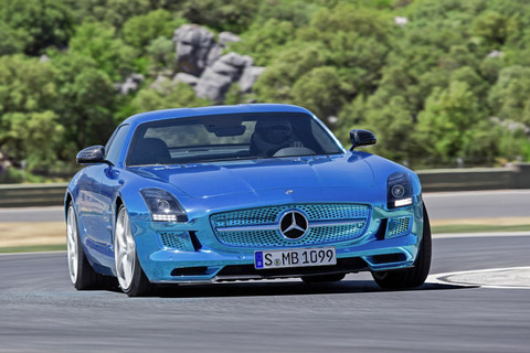 Mercedes-SLS-AMG-Coup-Electric-Drive-729x486-defbaee89f7cc009