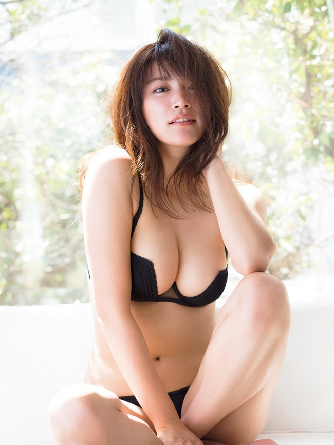 久松郁実 グラビア (2)